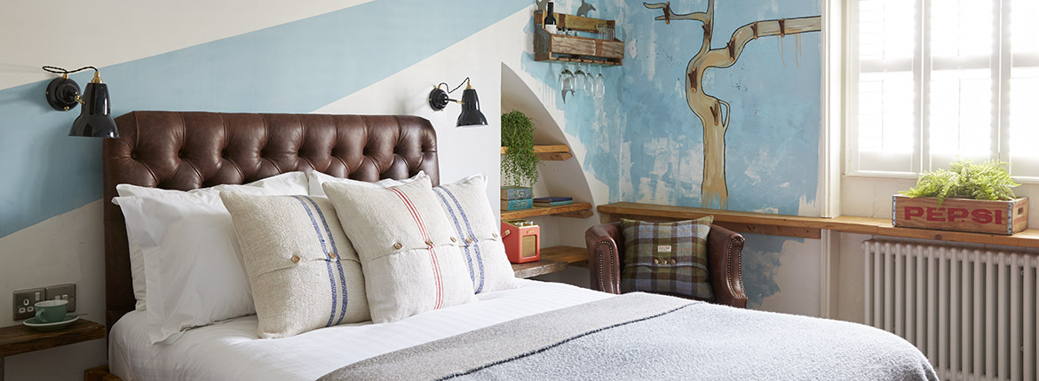 Small Double Room at Artist Residence Brighton, boutique hotel in Brighton, Brighton seafront
